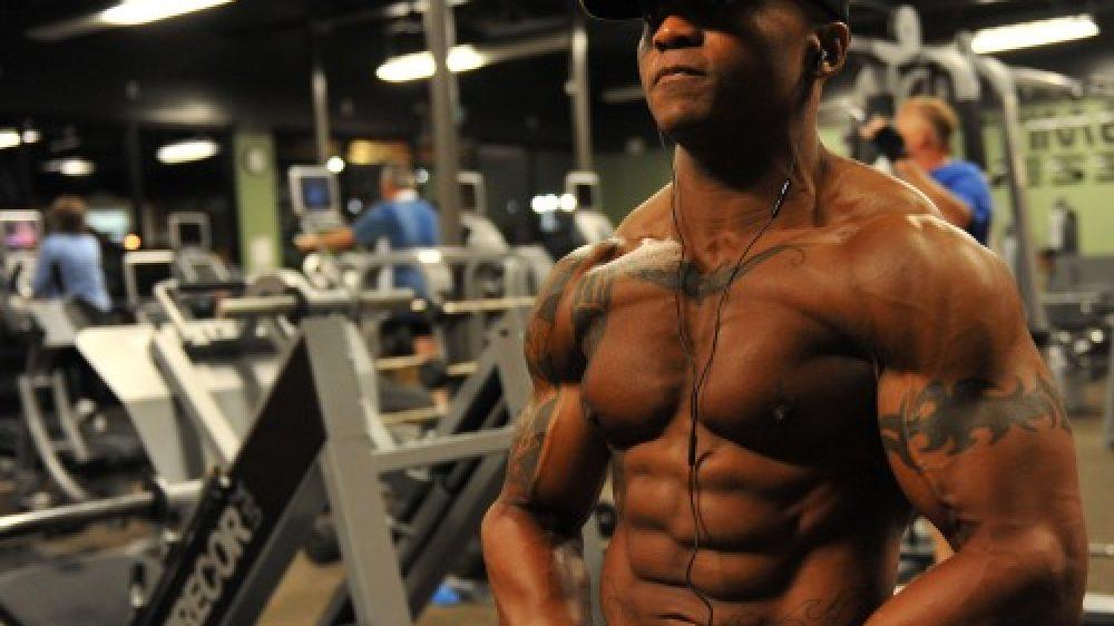 bodybuilder-at-gym